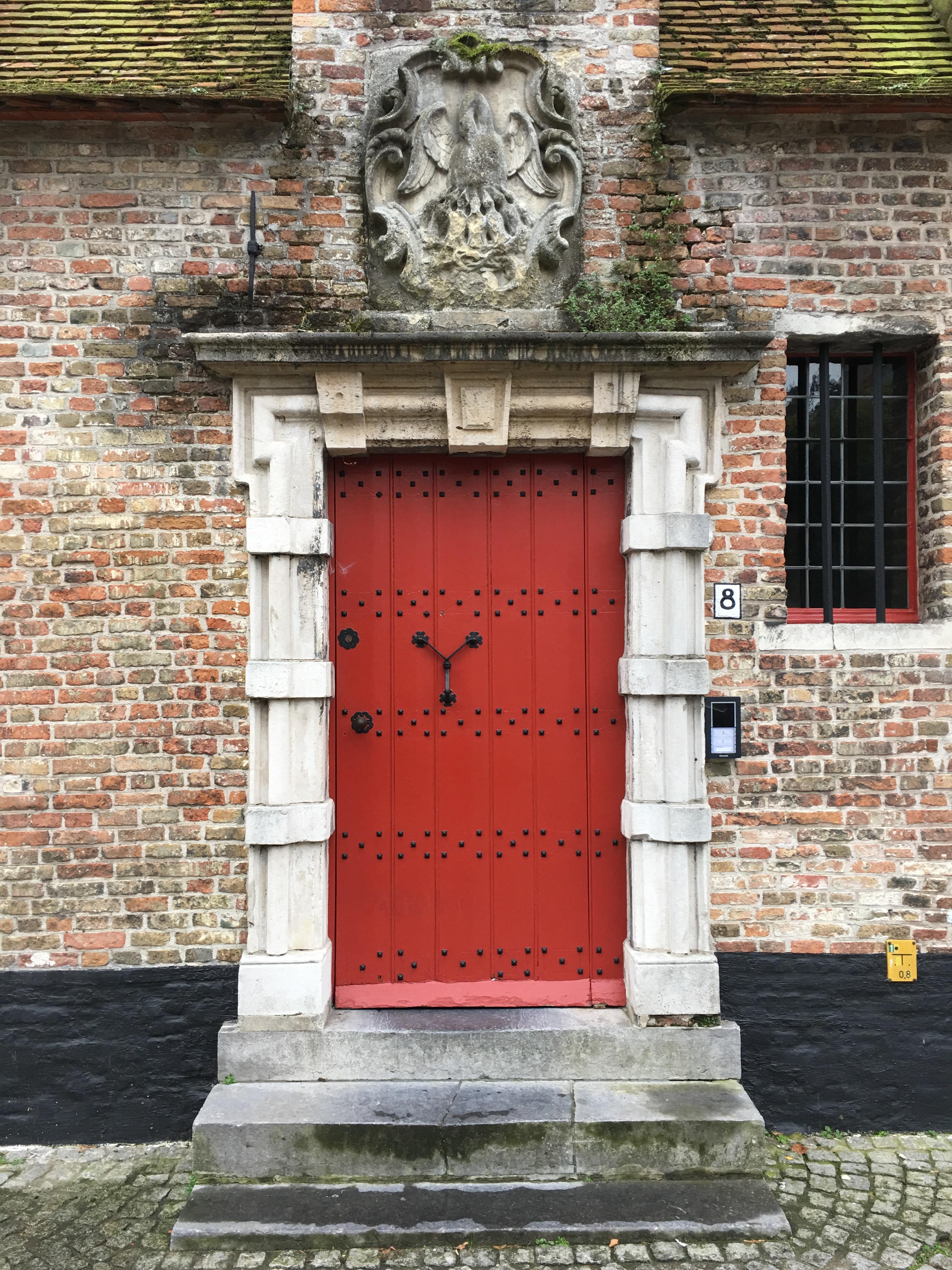 bruges red door