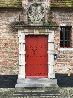 bruges red door